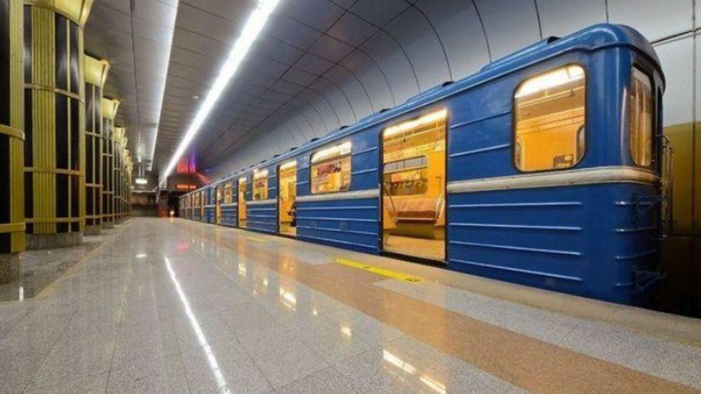 Молдаванин попал под поезд в Москве и выжил