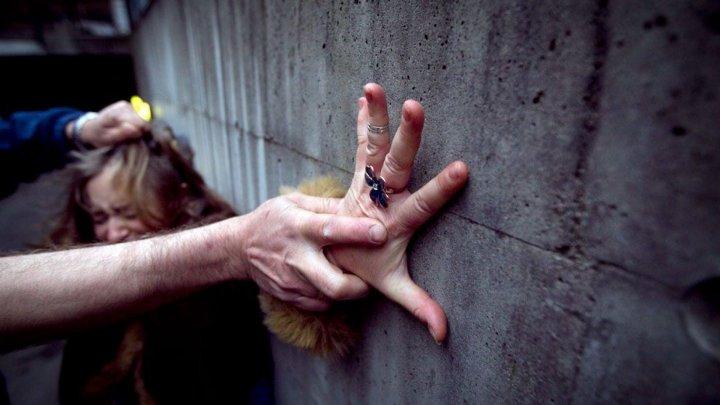Насиловал несовершеннолетнюю падчерицу: жителя Яловен приговорили к 24 годам заключения