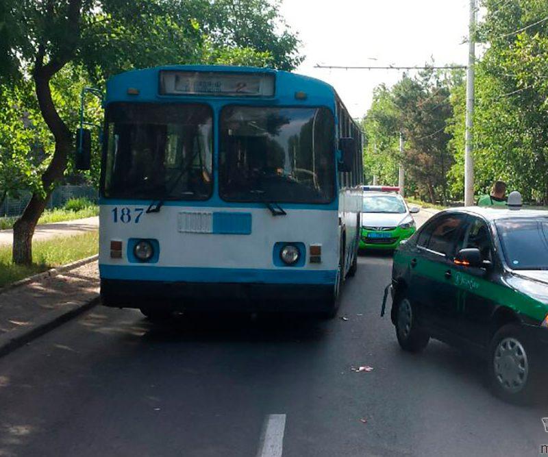 В Приднестровье в ДТП с участием троллейбуса пострадала кондуктор (ФОТО)
