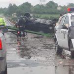 Последствия стихии: в Будештах перевернулся автомобиль (ФОТО)