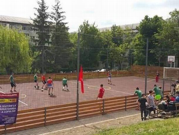 Стараниями социалистов в Кишиневе открыт еще один многофункциональный стадион (ВИДЕО)