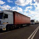 Движение большегрузного транспорта будет ограничено в жаркую погоду