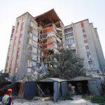 Работы на месте полуразрушенного дома в Атаках продолжаются