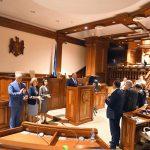 Президент призвал новых министров идти на компромиссы, уважать Конституцию и защищать суверенитет Молдовы