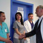 По случаю Дня медика президент подписал указ о награждении выдающихся медработников страны