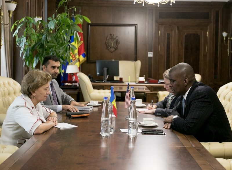 Зинаида Гречаный встретилась с послом США в Молдове