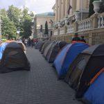 """Недоплатили: протестующий пожаловался на то, что не получил обещанные деньги за свою """"работу"""" (ВИДЕО)"""
