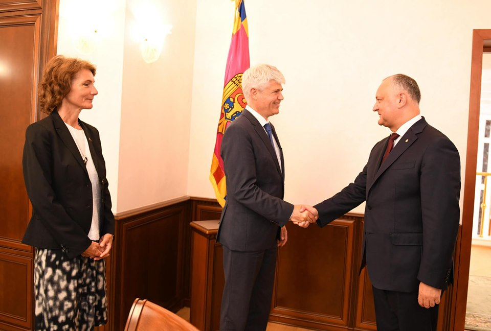 Додон поблагодарил посла Швейцарии за официальную поддержку этой страны нового парламентского большинства и правительства в Молдове (ФОТО, ВИДЕО)