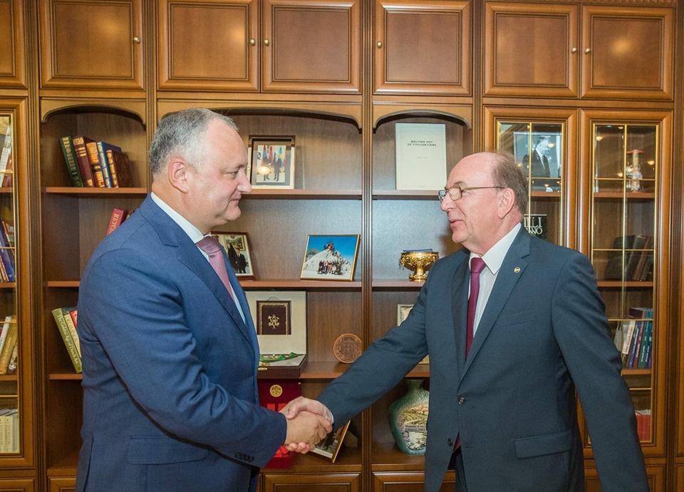 Додон обсудил с послом России предстоящие встречи с Медведевым и Козаком (ФОТО, ВИДЕО)