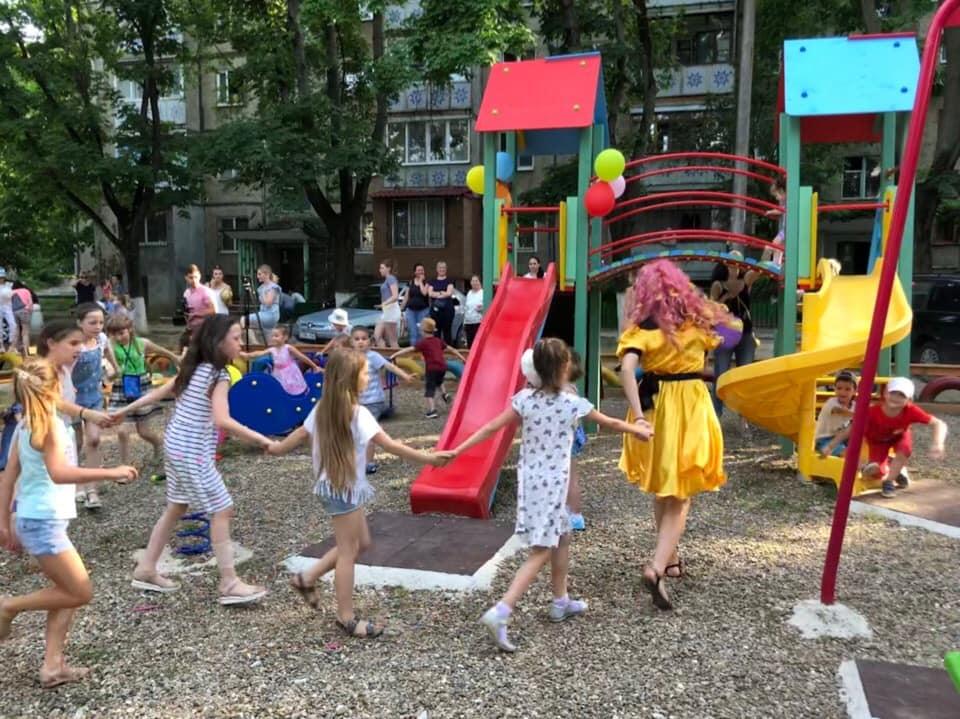 Еще одна новенькая детская площадка появилась на Ботанике (ФОТО)