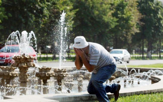 В жаркий период в столичных парках установят резервуары с питьевой водой