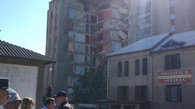 Как сейчас выглядит дом в Атаках после обрушения одной из его частей (ФОТО)