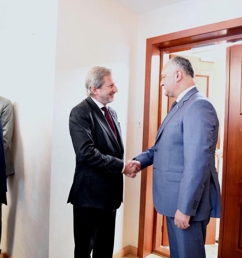Додон встретился с Ханом: что обсуждали президент и еврокомиссар (ФОТО, ВИДЕО)