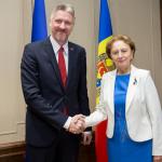 Зинаида Гречаный провела встречу с послом Латвии в Молдове