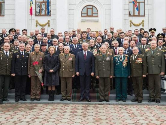 Союз офицеров выразил полную поддержку президенту Молдовы Игорю Додону, а также новым парламенту и правительству