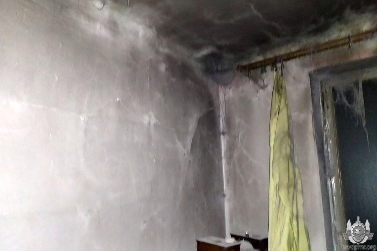 В шаге от трагедии: пожилая тираспольчанка отравилась угарным газом во время пожара в собственной квартире (ФОТО)