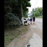 Серьёзная авария в Бельцах: легковушка на полном ходу протаранила столб (ФОТО)
