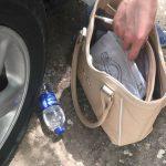 Ограбление средь бела дня на Рышкановке: двое подростков напали на старушку (ВИДЕО)