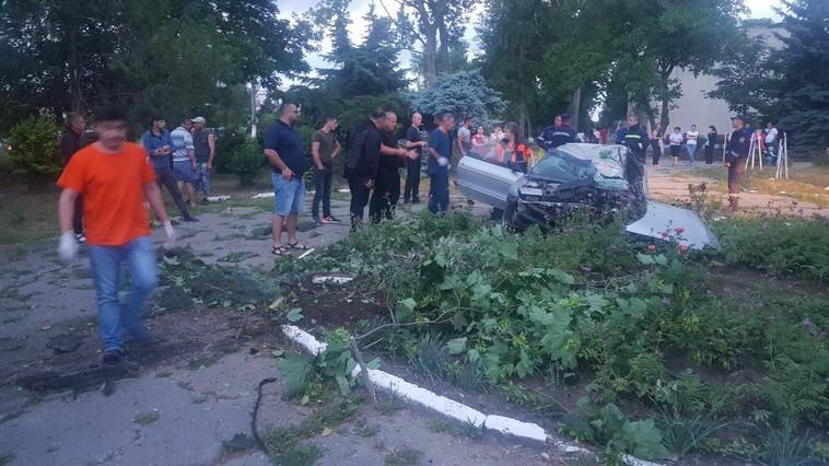 Скорость и алкоголь: в Кагуле в страшном ДТП погиб водитель, а пассажирка попала в больницу (ФОТО)