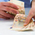 8 000 евро за содействие в смягчении наказания: офицерами НАЦ задержан подозреваемый в вымогательстве