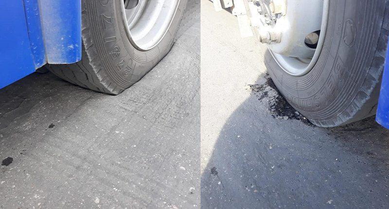 Такая жара, что даже асфальт плавится: в столице троллейбус провалился колесом в яму (ФОТО)