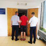 Иностранца-нарушителя, сбежавшего из столичного аэропорта, задержали