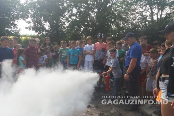 Спасатели провели учения по безопасности в детских лагерях Гагаузии
