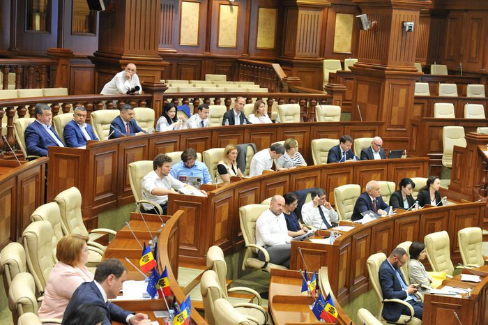 Парламент закрывает беспошлинные магазины в приднестровском регионе (ВИДЕО)