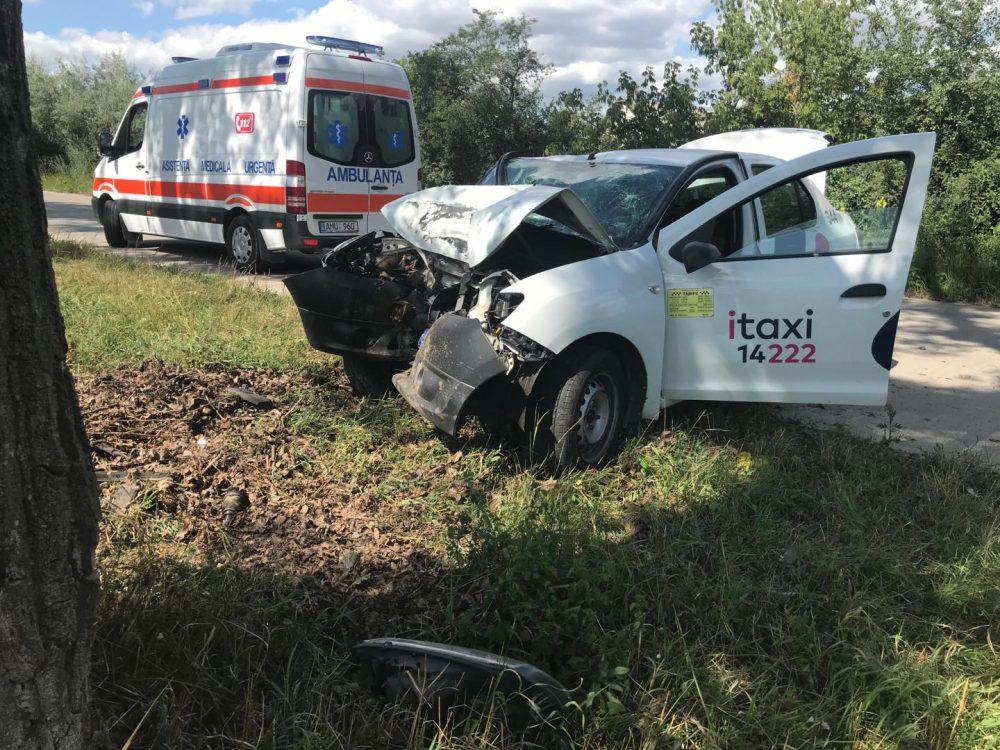 Жуткое ДТП в Гидигиче: таксист-лихач врезался в дерево и погиб на месте