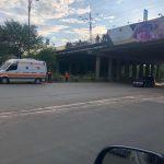 В столице пьяный мужчина угрожал сброситься с моста (ВИДЕО 18+)