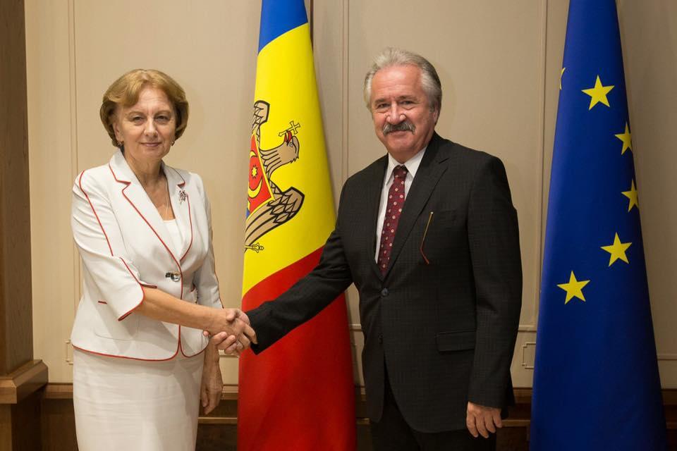 Председатель парламента встретилась с послом Турции в Молдове