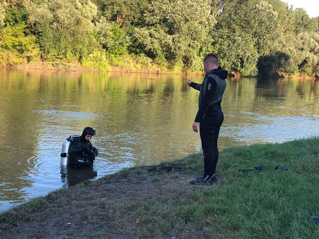 Спас тонущую девушку, но сам погиб: спасатели нашли тело молодого человека, утонувшего в Днестре (ФОТО)