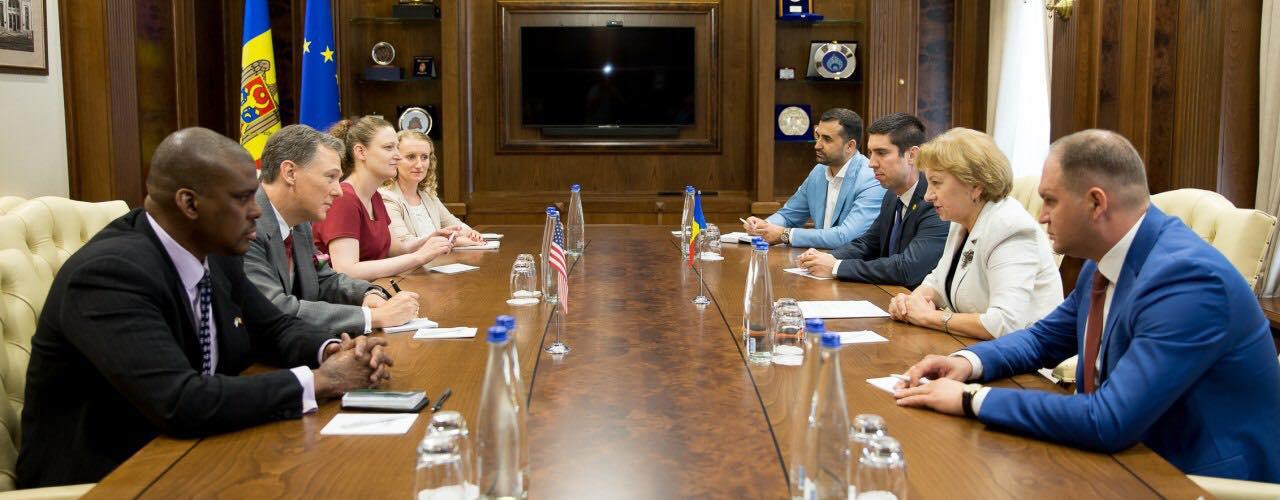 Спикер провела встречу с зампомощника Госсекретаря США (ФОТО)