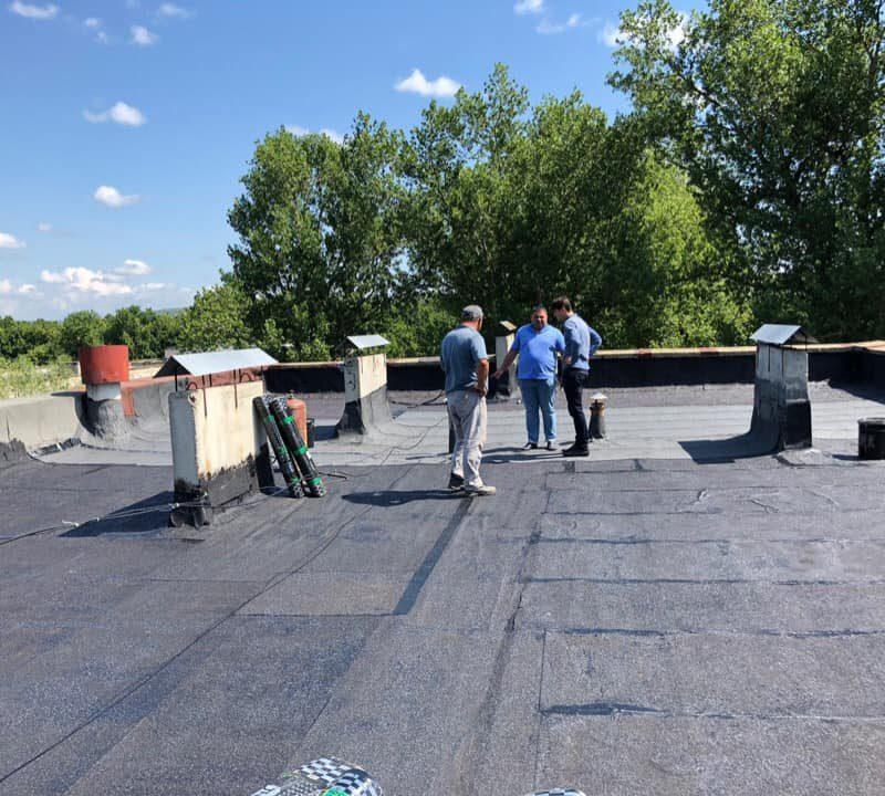 Стараниями социалистов в одном из домов на Мунчештской начат капитальный ремонт крыши (ФОТО)