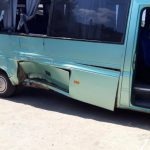 В Унгенах столкнулись микроавтобус и мотоцикл: один человек погиб (ФОТО 18+)