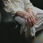 Шок: 79-летнюю старушку из Фалешт изнасиловали и обокрали