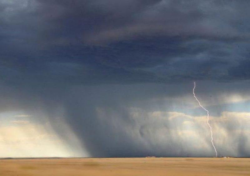 Предупреждение для путешествующих: гроза, град и проливной дождь обрушатся на Грецию