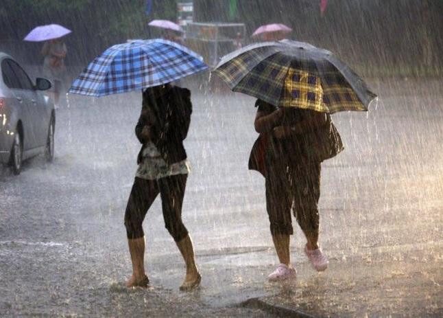 """Молдову накроют грозовые дожди и град: объявлен """"желтый код"""""""