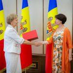 Молдавская писательница, победившая на престижном международном конкурсе, получила диплом парламента