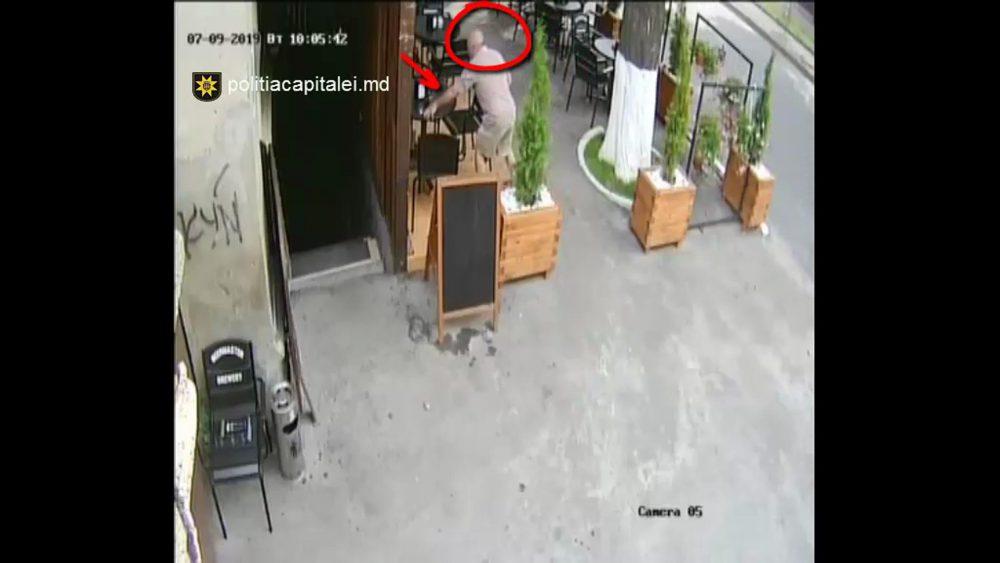 Внимание, розыск: полиция устанавливает личность мужчины, укравшего телефон (ВИДЕО)