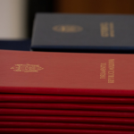 Офицеры Службы госохраны были награждены дипломами парламента за высокий профессионализм и верность долгу