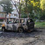 На Ботанике сгорел припаркованный автомобиль (ФОТО)
