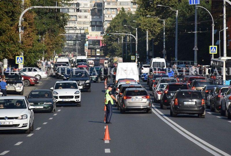 В порядке эксперимента: движение по улице А. Руссо на несколько часов стало реверсивным (ФОТО)