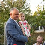 Додон: Буду и дальше оказывать необходимую поддержку семьям! (ФОТО, ВИДЕО)