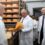 Президент выступает за принятие в срочном порядке Закона о внутренней торговле (ФОТО, ВИДЕО)