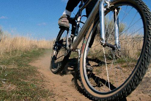 Алкоголь до добра не доводит: пьяный рыбничанин избил пенсионера и уехал из гостей на чужом велосипеде