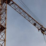 Трагедия в Дурлештах: в результате падения части подъёмного крана погиб мужчина