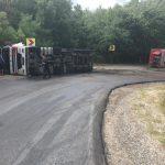 В Хышчештах перевернулась автоцистерна с топливом: водитель ехал на высокой скорости