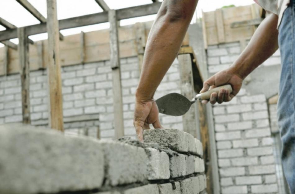 Обещал помочь с незаконной постройкой за 5 700 евро: сотрудники НАЦ задержали правонарушителя
