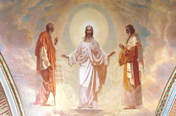 Православные верующие празднуют сегодня Преображение Господне
